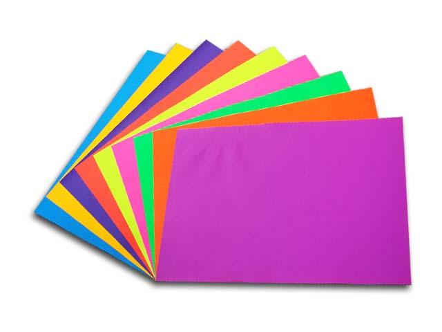 Papeler a modelo cartulina x 1 8 colores fluorescentes for Mural de fotos en cartulina